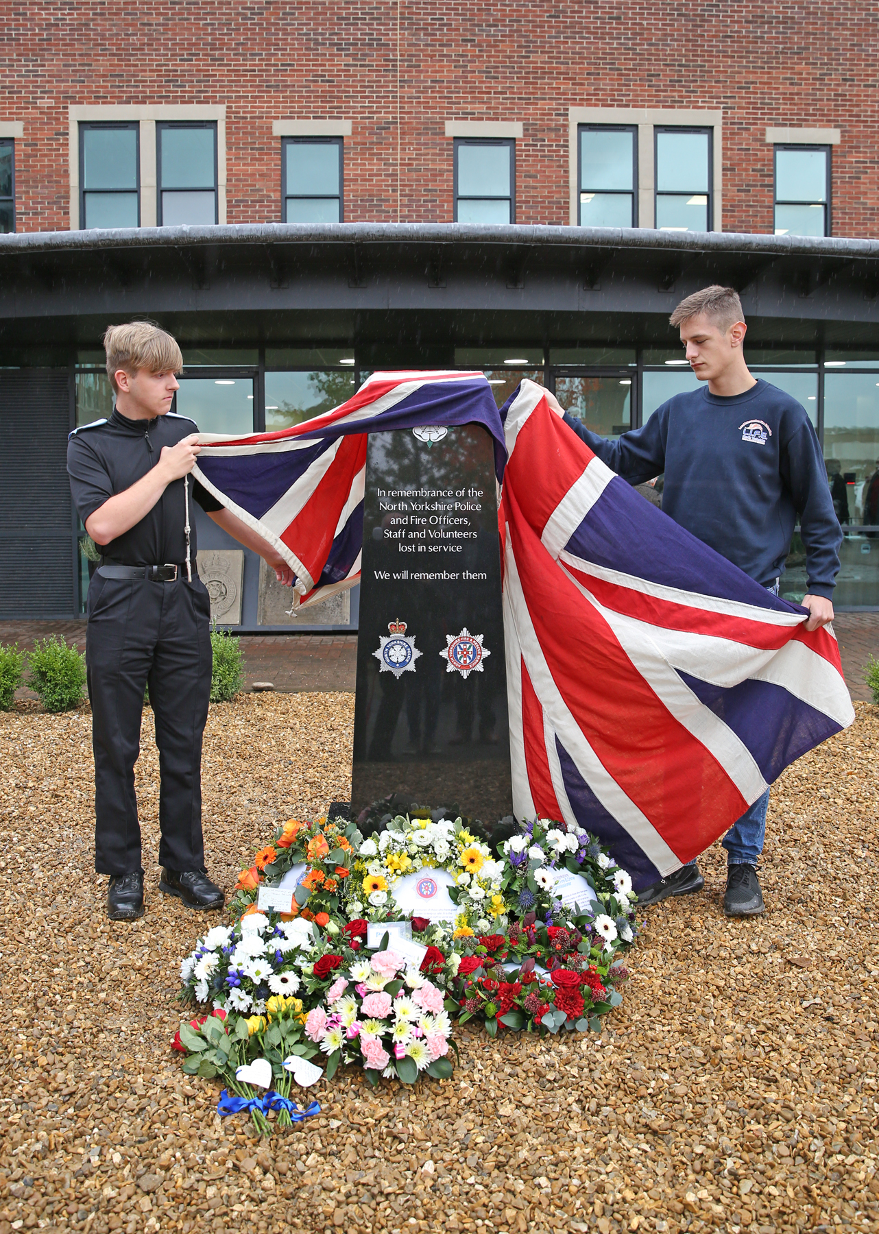 Police Cadet Harry Watters and Jacob Hudson ('LIFE' Course with the Fire Service) who unveiled the memorial.